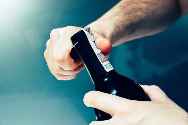 stappare-bottiglia-vino